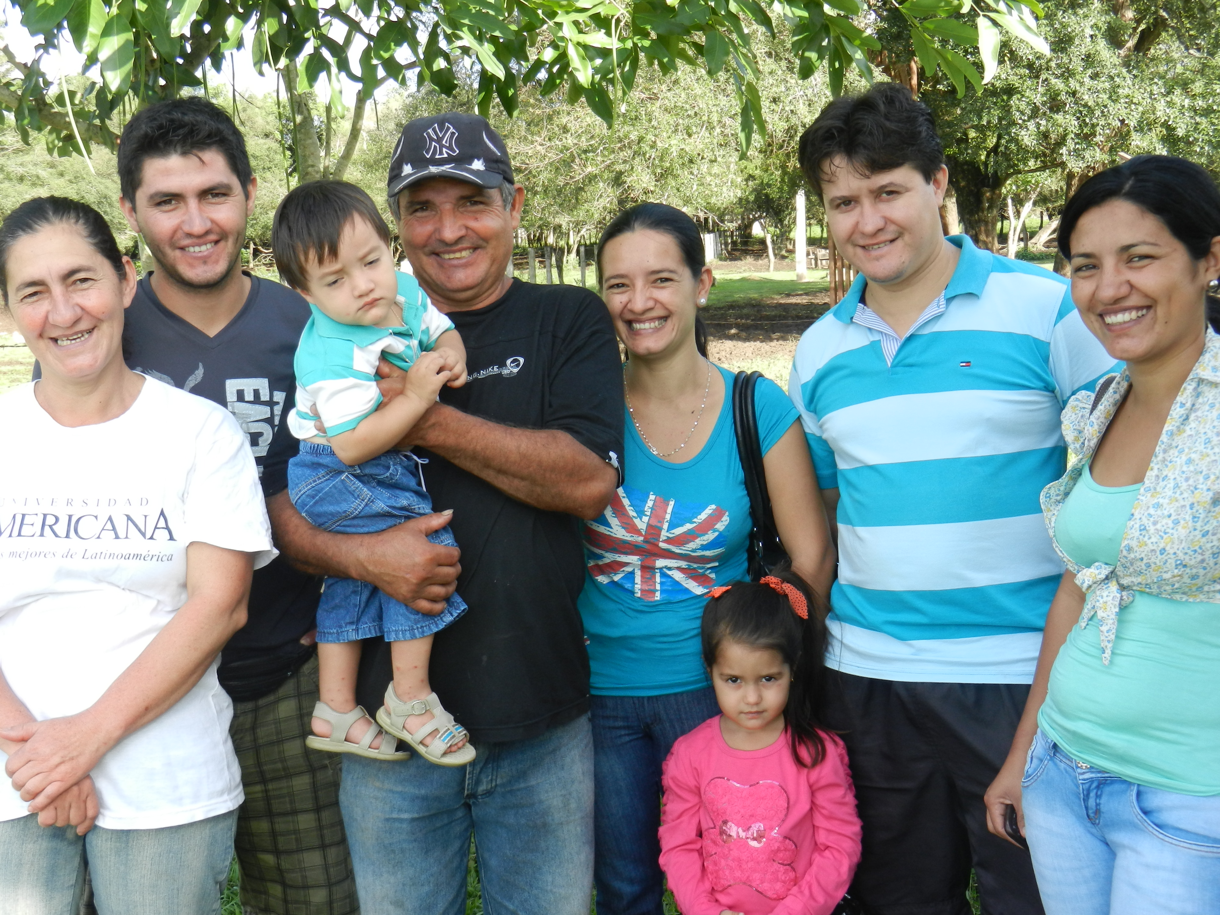 Round-up: Red Cross supports communities in Paraguay and ... |Paraguay Family With Godparents