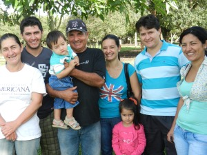 The family of Ña Ester y Don Alvio with grown kids home for the semana santa holiday, one of the most joyous weeks of the year for Paraguayan families.