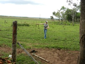 My first lasso-throwing lesson! We practiced from close distance, medium distance, and longer distance from a stand (here) and from walking.